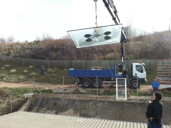 Instalación de vidrios de tejado.