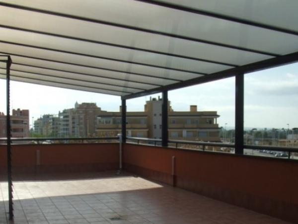 Techos de policarbonato pergolas toldos hierro y o acero - Barandas de terrazas ...